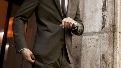 صورة MANGO تضع بين يدَي رجل الأعمال المعاصر بدلات رسمية عملية