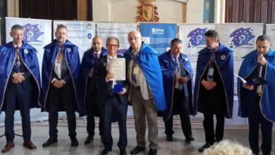 صورة رومانيا.. توشيح الدكتور المغربي كمال الديساوي بوسام ضابط عن مساهمته في تقدم العلوم والاختراعات في العالم وتتويج المغرب بثلاثة ميداليات ذهبية بالمعرض الاوروبي للإبداع والابتكار