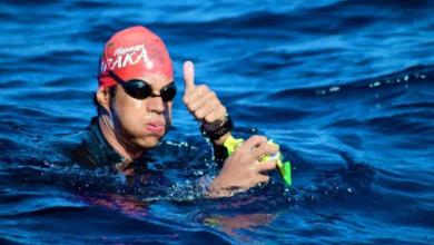 صورة السباح المغربي حسن بركة يقطع 1600 متر سباحة في المياه الجليدية ويحطم رقمه القياسي