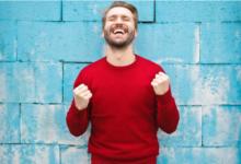صورة المال يشتري السعادة أحيانا.. كيف تنفق مدخراتك في الاتجاه الصحيح؟