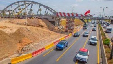 صورة الدار البيضاء: تثبيت جسر حديدي لتمكين الطرمواي من عبور الطريق السيار الحضري