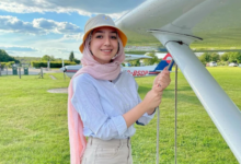صورة شاهد- سفيرة النوايا الحسنة مايا غزال.. أول لاجئة سورية تقود طائرة