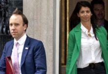 صورة وزير الصحة البريطاني يستقيل بعد فضح علاقته بمساعدته