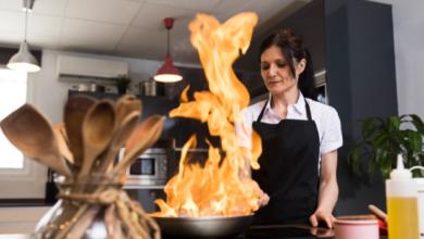 صورة لسلامة عائلتك.. كيف تتجنبين حرائق المطبخ؟