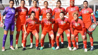 صورة رئیس الاتحاد الاسباني لكرة القدم یشید بجھود الجامعة الملكیة لكرة القدم النسویة